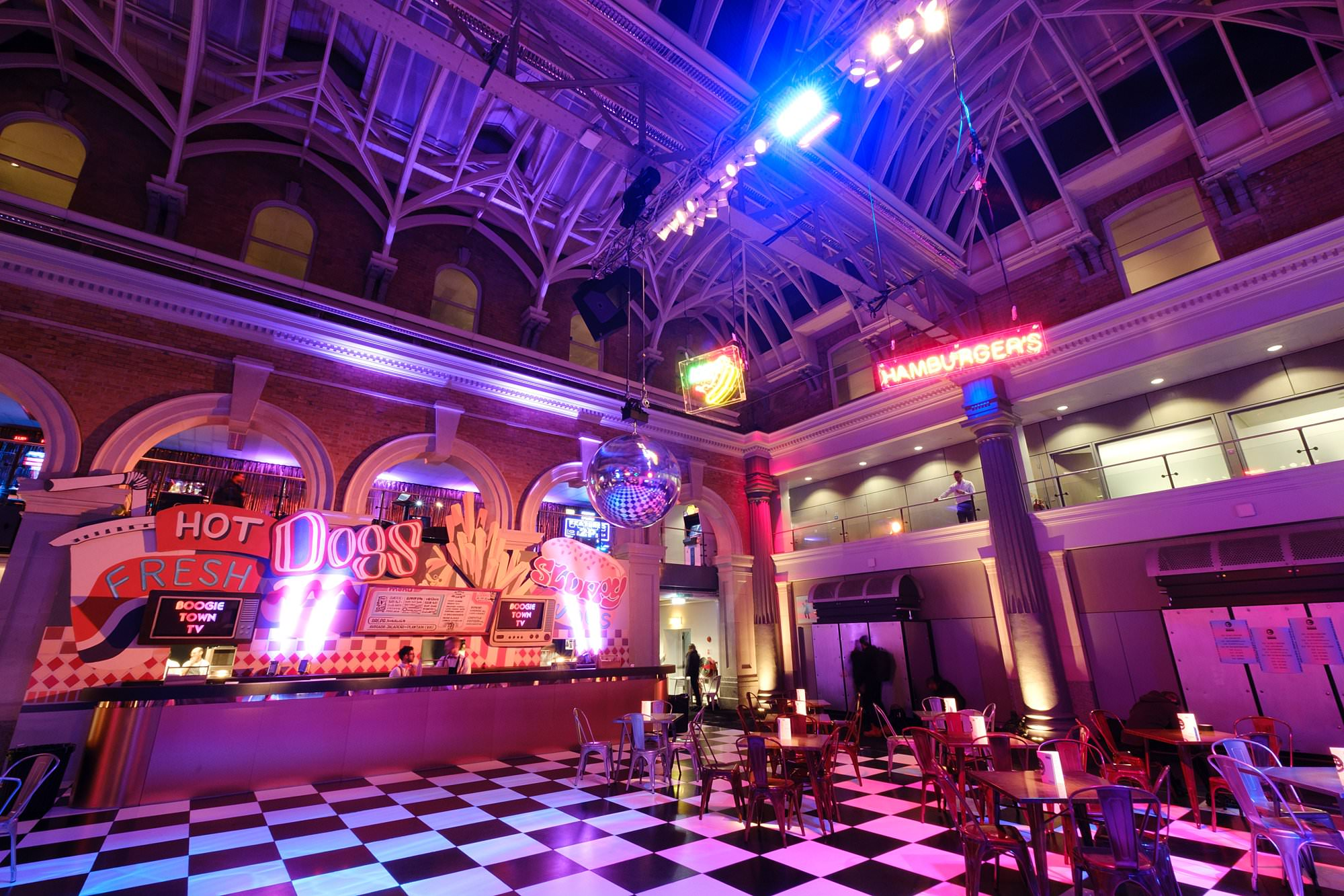 london event photographer old billingsgate delicious 002 - A Corporate Party at Old Billingsgate