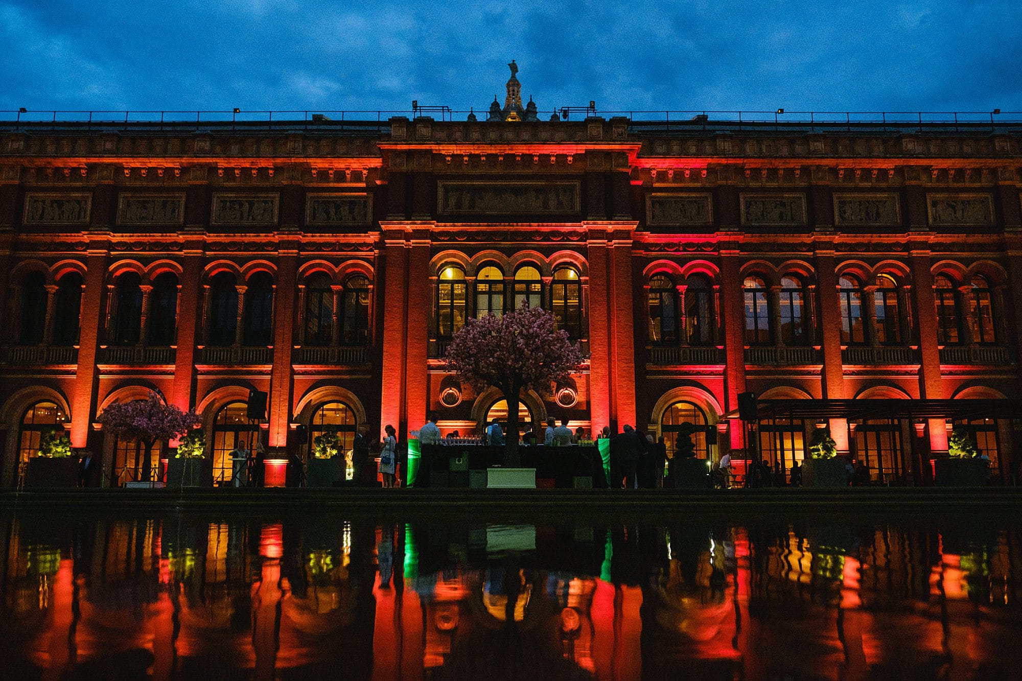 victoria albert event photographer london 057 - Summer party at the V&A Museum