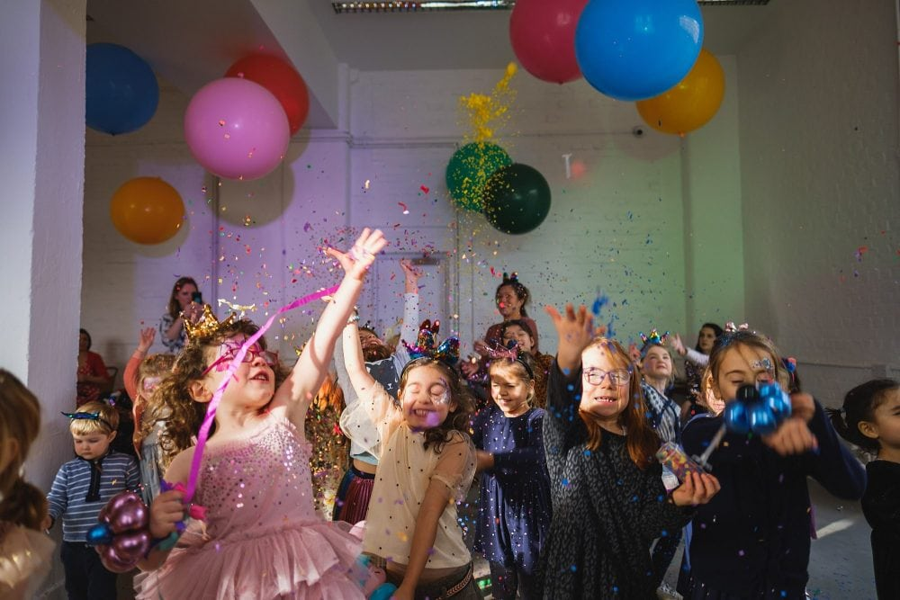 childrens party photographer london nadia5 028 1000x667 - A 5th birthday party in Camden