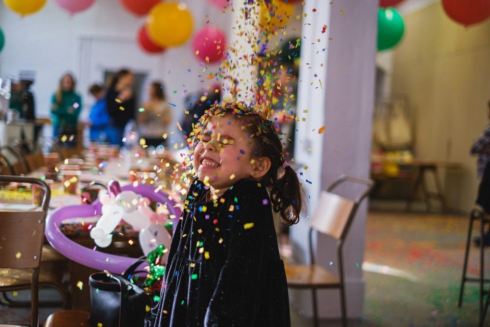 childrens party photographer london nadia5 032 1000x667 - A 5th birthday party in Camden