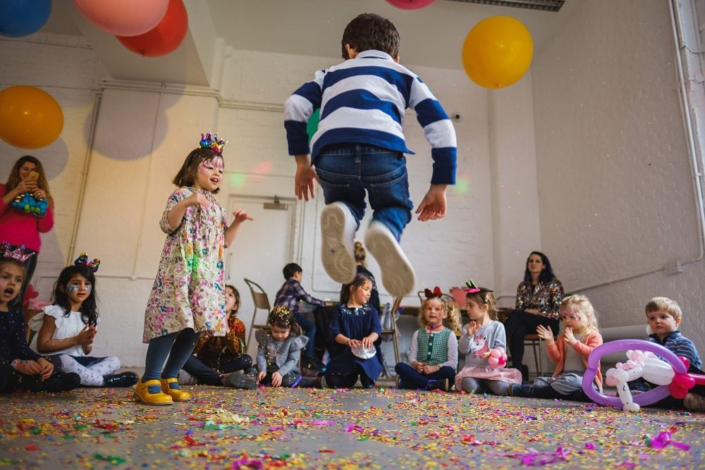 childrens party photographer london nadia5 036 1000x667 - A 5th birthday party in Camden